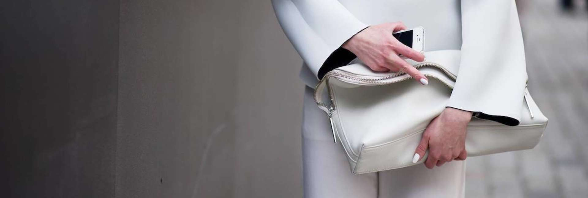 How to wear white without it widening us