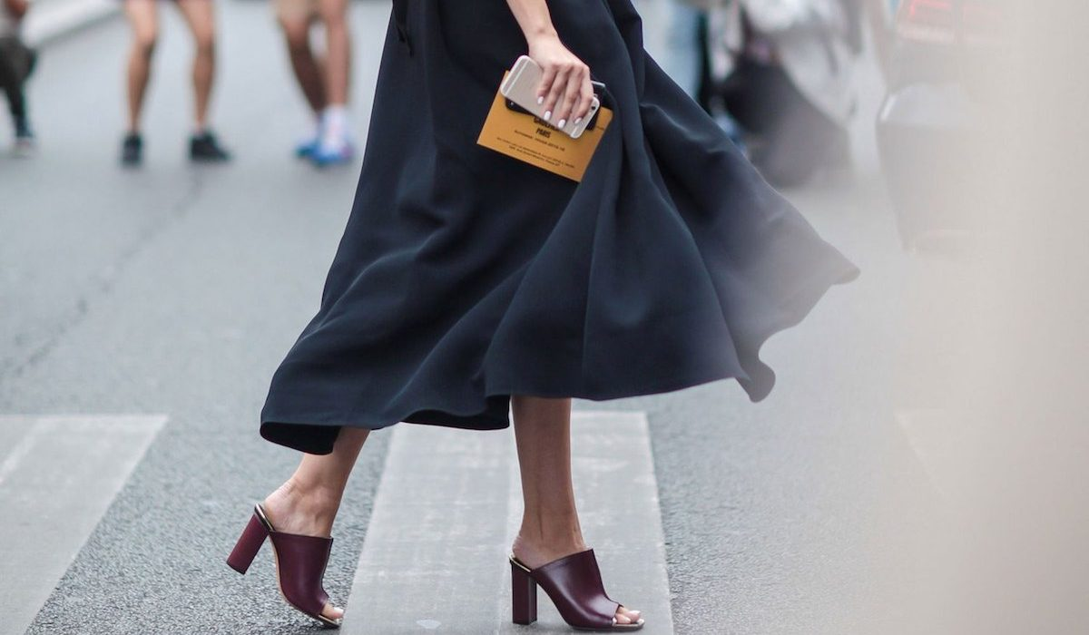 How to wear a midi skirt for any occasion