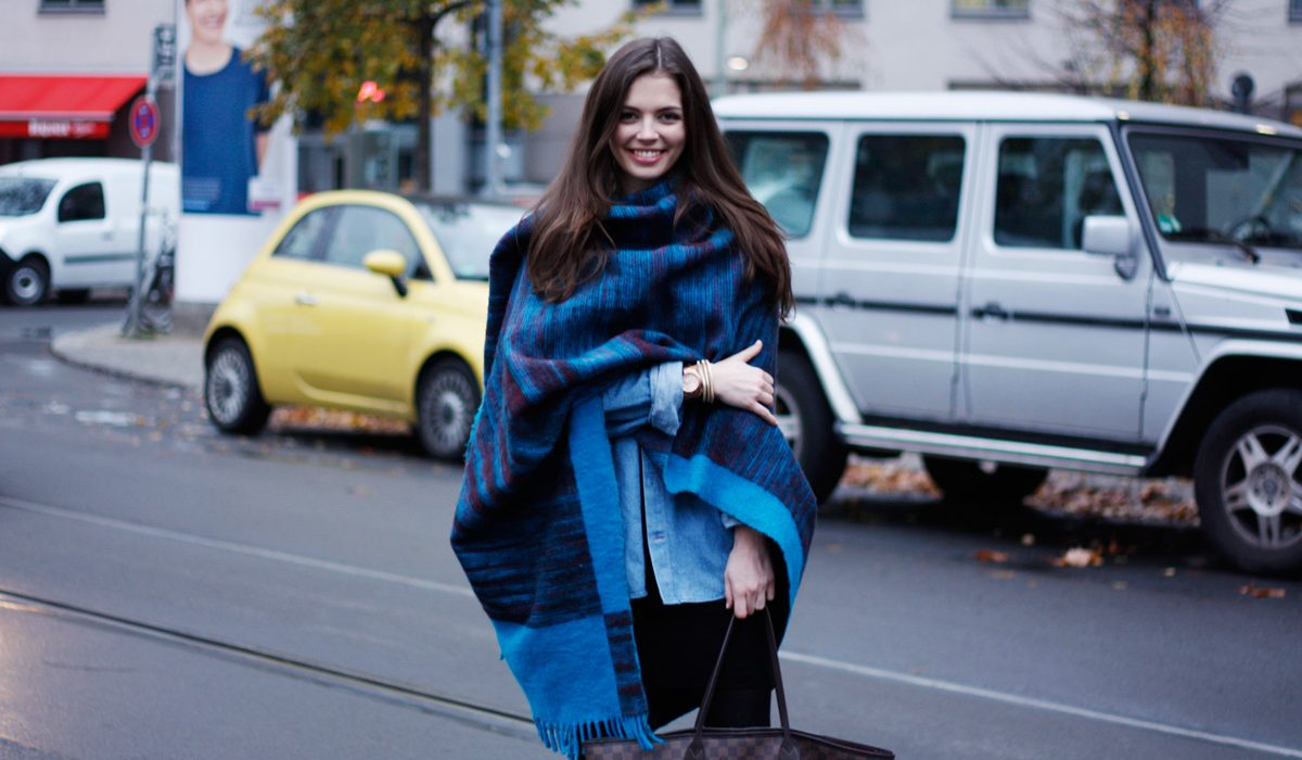 Fashionable scarves for a winter