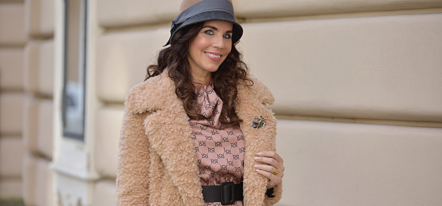 Style of the day: dress and hat