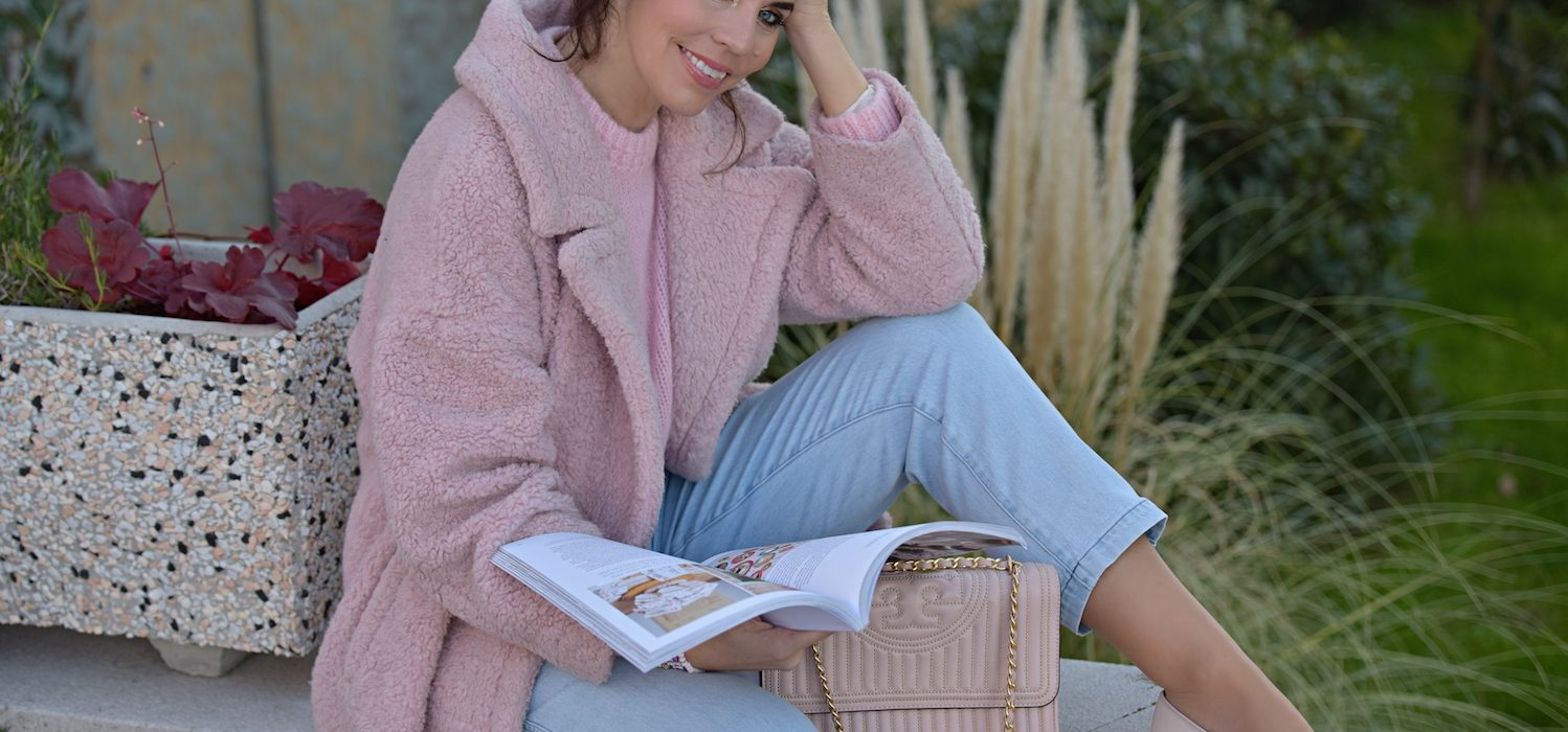 Style of the day: pink and jeans
