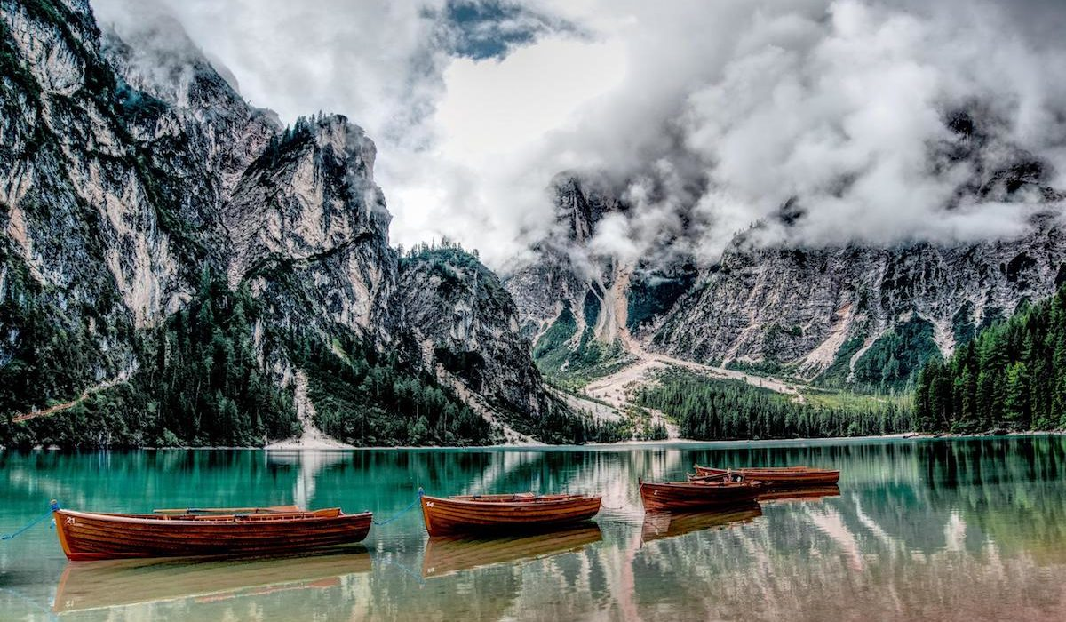 A place to visit: Lago di Braies in Italy