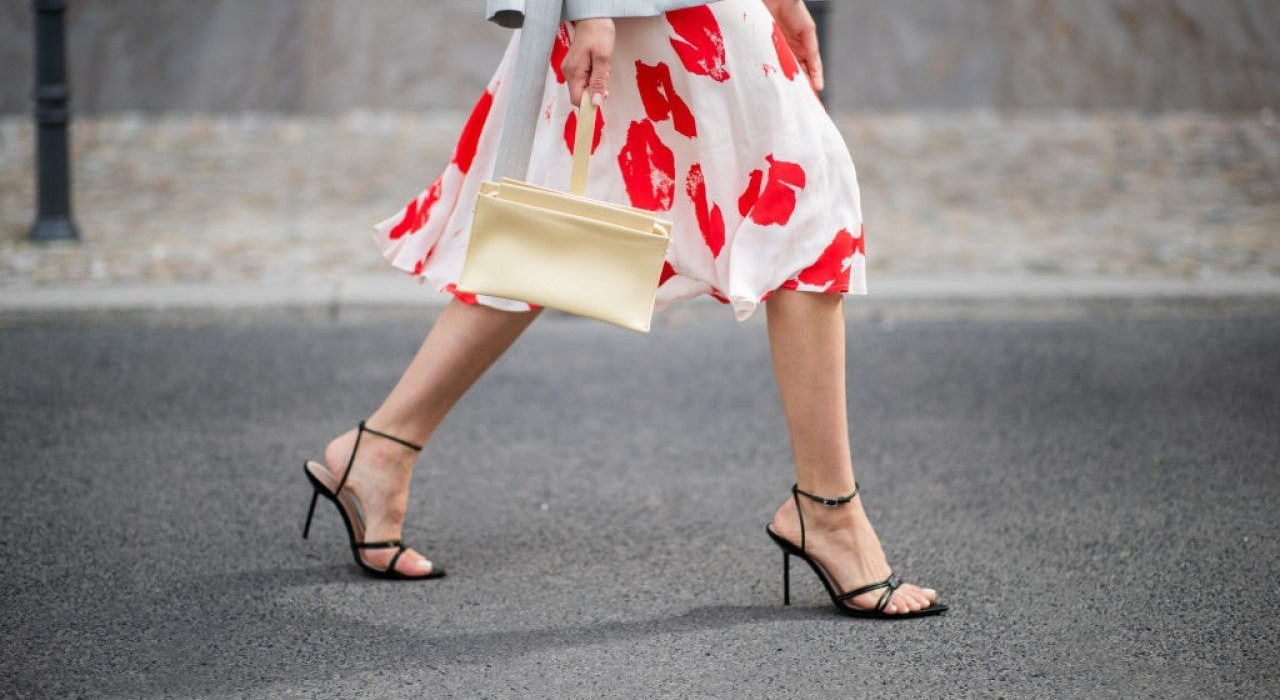 The statement sandals of the hot season
