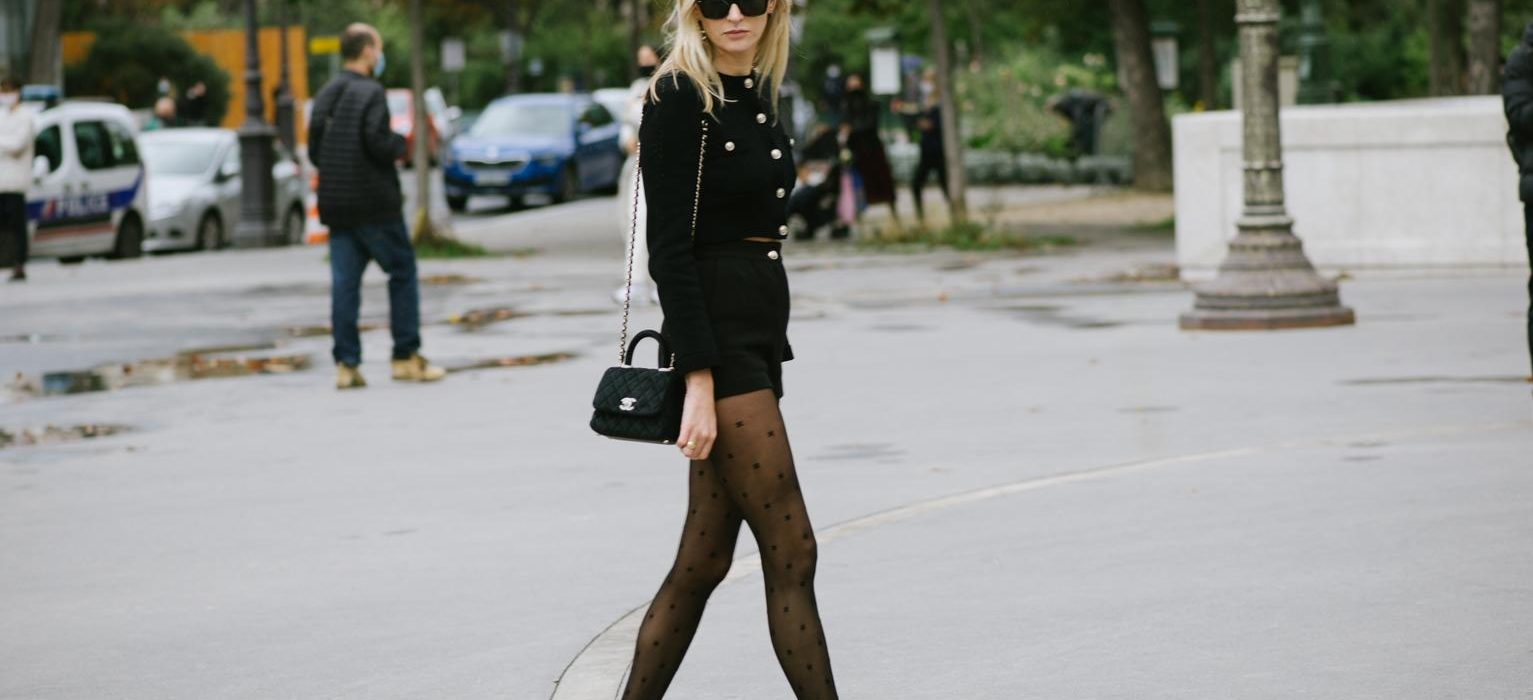 The original logo tights trend