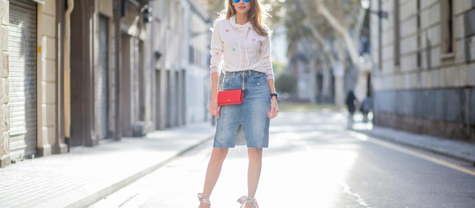 How to wear the denim skirt