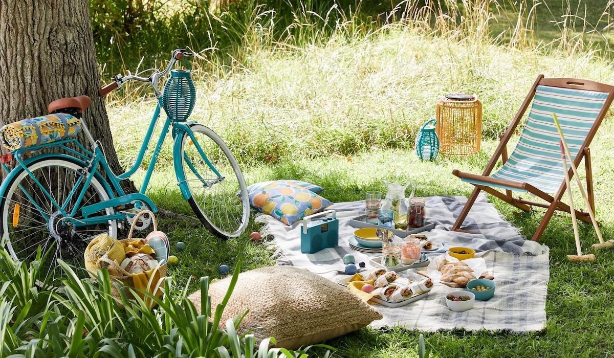 How to plan a superb summer party