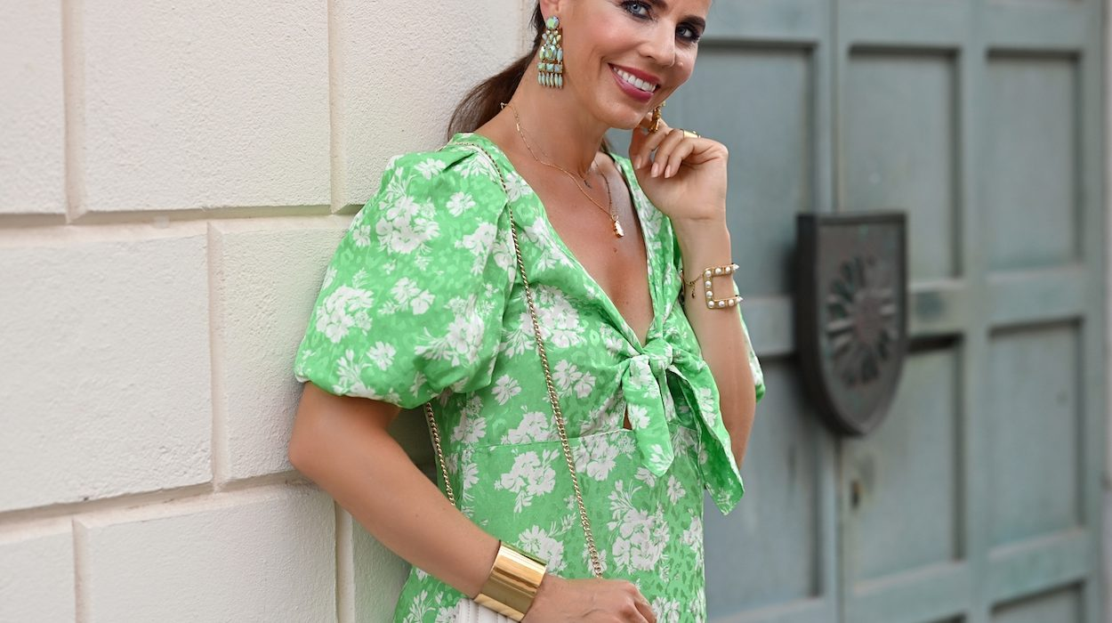 Style of the day: the green dress with balloon sleeves