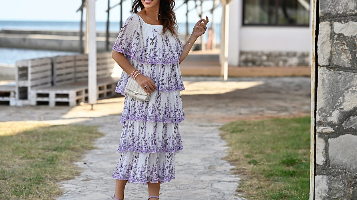 Style of the day: the lavender dress with frills